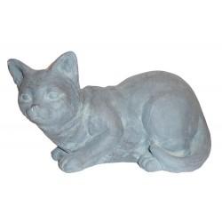 Chat couché en polyrésine